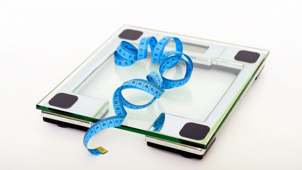Is it good to weigh yourself daily? Can scales be wrong?
